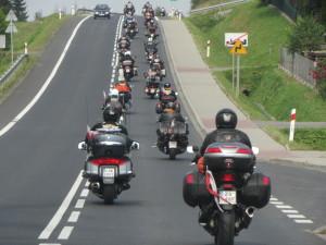 Motocykliści